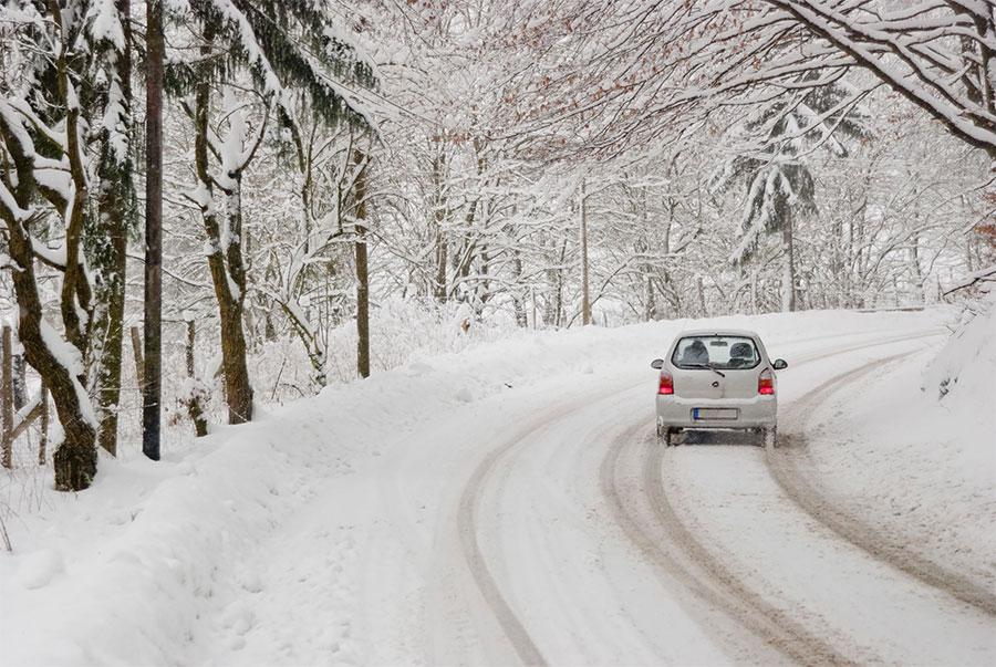 Ayuda en carretera en invierno