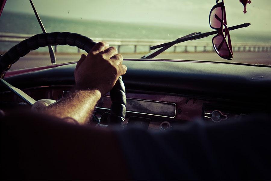 Cómo colocarnos frente al volante