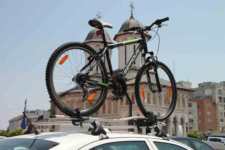 Cómo trasladar las bicicletas en coche