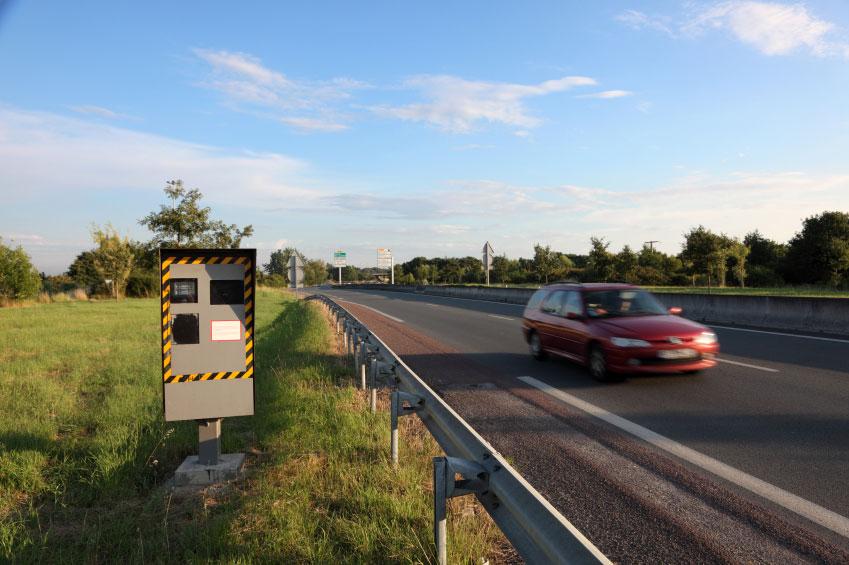 La velocidad es uno de los factores que más influye en los accidentes de tráfico