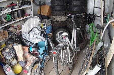 ¿Se puede utilizar la plaza de tu garaje para almacenar cajas?